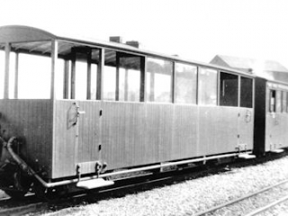 'Gladstone' coach & No. 23 at Portmadoc 'New' (1923)