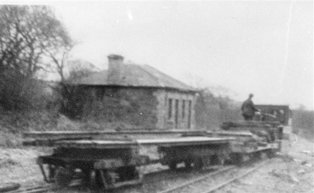 Demolition train passing Tryfan Junction